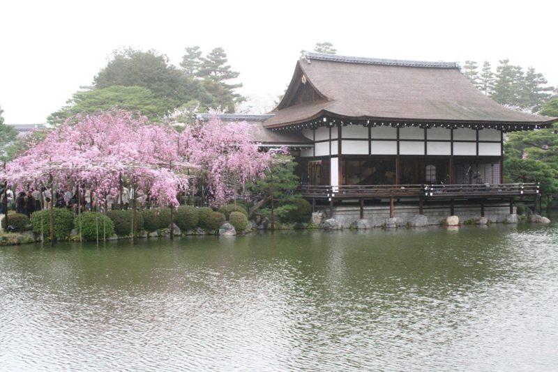 external image jardines-templo-heian-jingu1.jpg